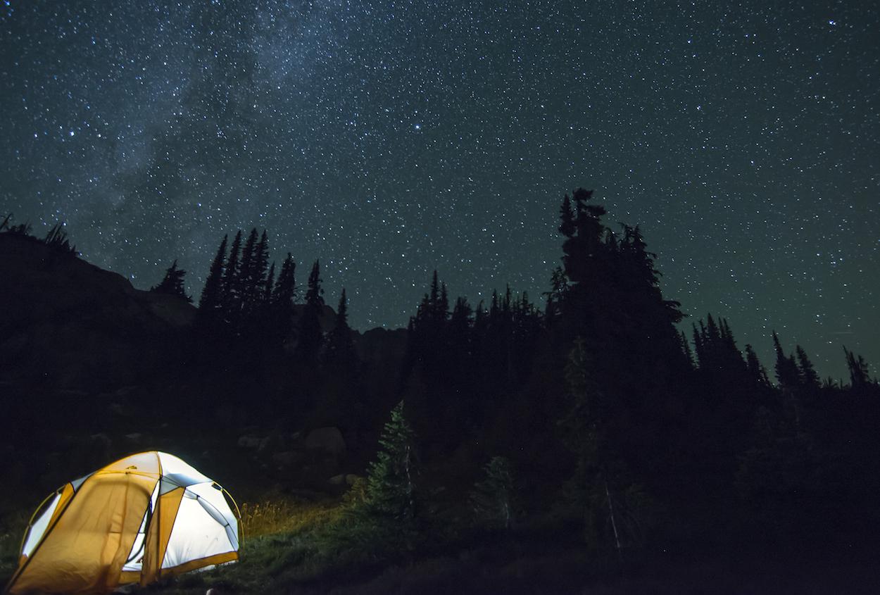 Digitální nomádi pod stanem